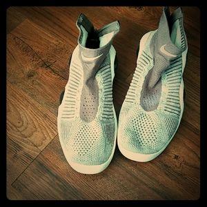 Basketball Sneaker (Nike)